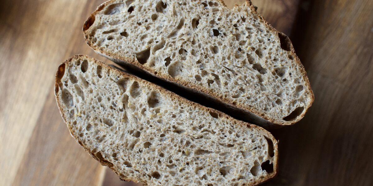 Instarecept: Špaldový chléb se sezamem a lnem