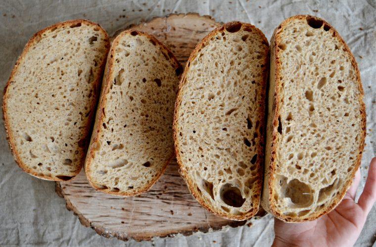 Whole wheat levain neboli celozrnný pšeničný kvasový chléb