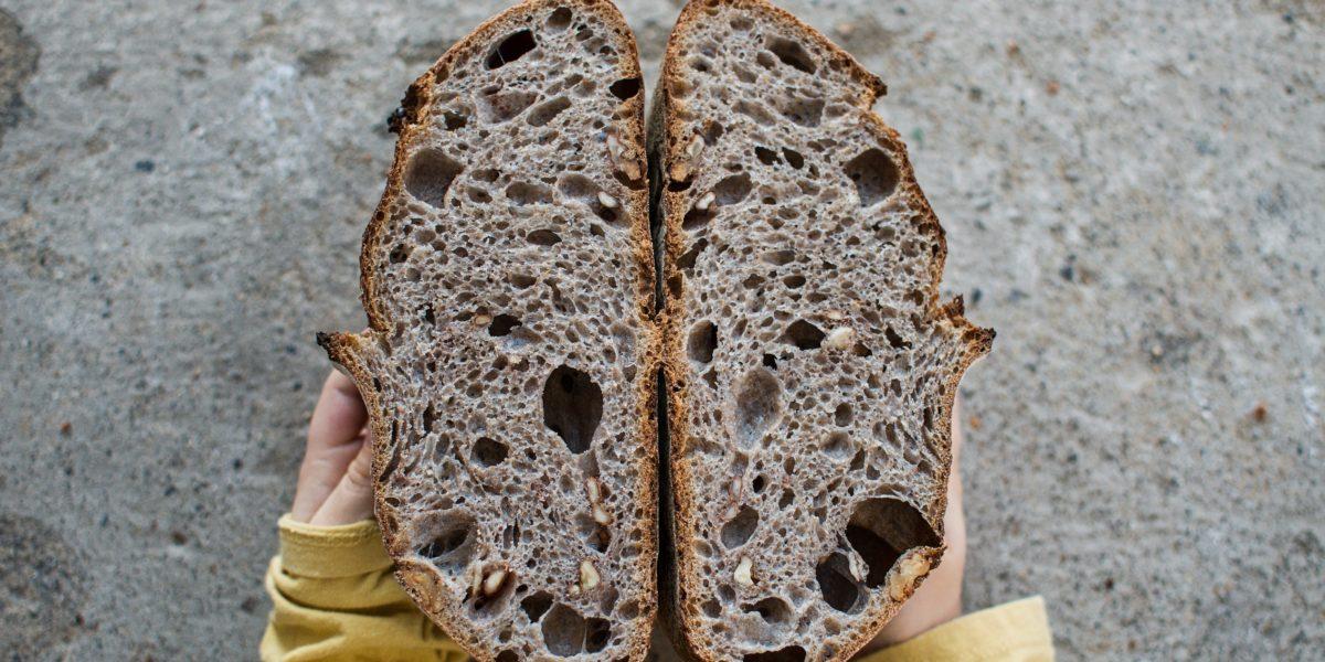 Kaštanovo-ořechový chléb