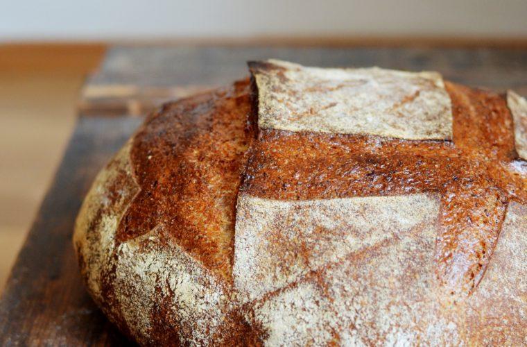 Všední kvasový chléb s miminkem